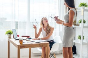 Executive Assistant vs Business Manager: Which One is Right for You?